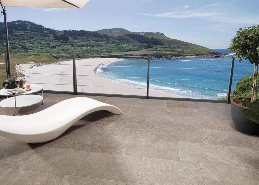 Venis-pavimento-antideslizante-Cascais-noce-C3-terraza